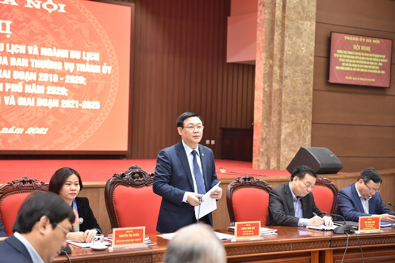 Chủ tịch CLB UNESCO Trương Quốc Hùng phát biểu tại hội nghị
